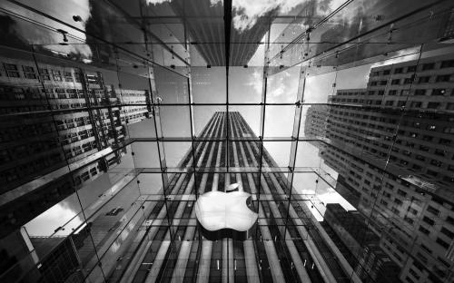 Apple Inc. (AAPL) Sets New 52-Week High Following Analyst Upgrade